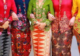 แฟชั่นผ้าบาติก สีสันสดใสจากอินโดนีเซีย